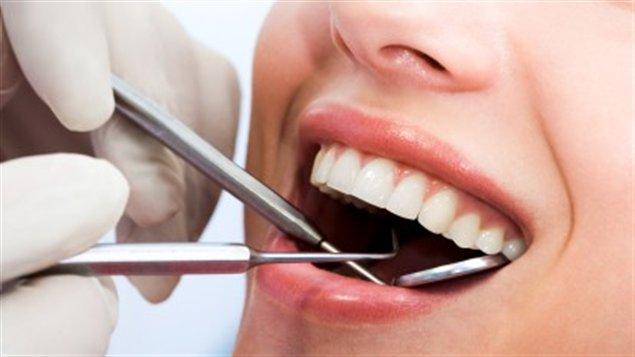 Découvrez Holodent : la plateforme dédiée aux soins dentaires.