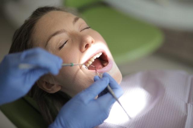 Traitement contre les boutons dentaires